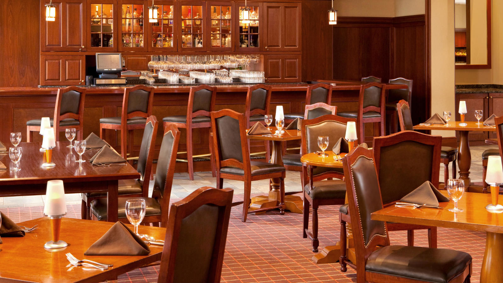 Toasted Barrel Restaurant | Sheraton Tarrytown Hotel
