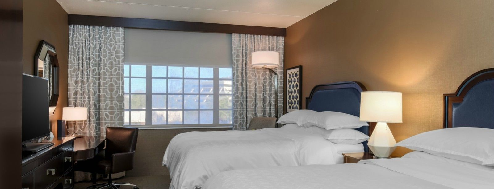 Tarrytown Accommodations - Traditional Double Guest Room